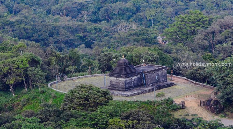 • Betta Bhairaveshwara Prasanna Temple, Mekanagadde – Maragunda